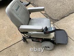 Heavy Duty Houveround Teknique FWD Power Wheelchair (300 pound weight limit)
